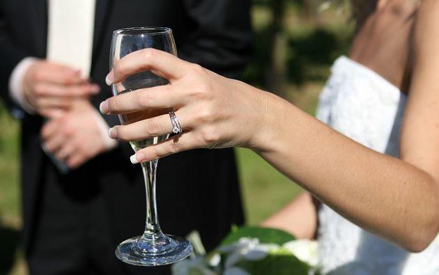La madre del novio notó una marca de nacimiento en la mano de la prometida. Foto: Pixabay.