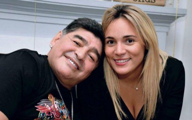Revelan presunta relación secreta entre la novia de Maradona y su abogado, que ahora la hace responsable de su muerte.