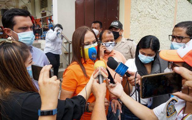Pierina Correa sufragó en la Unidad Educativa José Domingo de Santistevan de Guayaquil. Foto: Archivo