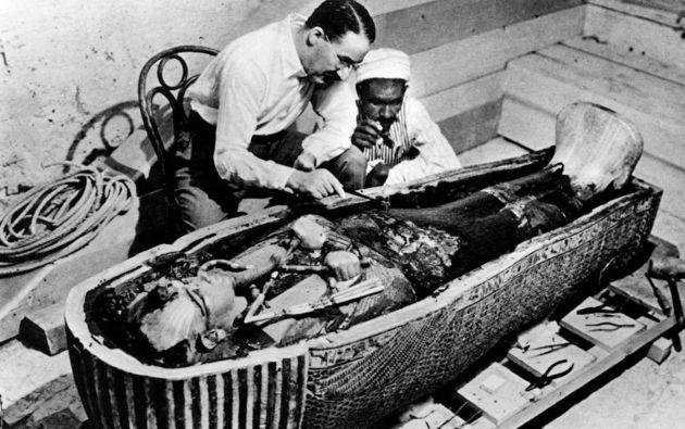 En 1922 la expedición encontró unos misteriosos escalones que descendían hasta el antiguo faraón, Tutankamón.