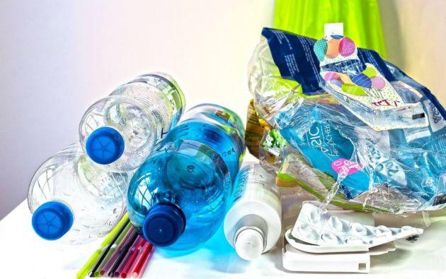 Los Plásticos de Un Solo Uso – PUSU más 'problemáticos' son: botellas de plástico para bebidas, tapas de botellas de plástico, entre otros. Foto: archivo