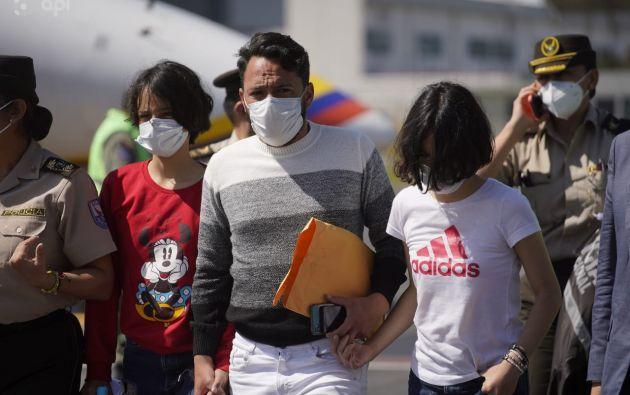 Las menores llegaron a Quito, tras ser halladas el lunes en Perú. Foto: API