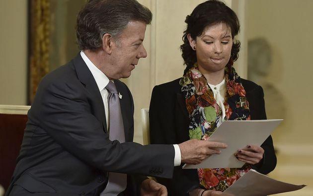 Natalia Ponce de León junto al presidente Juan Manuel Santos. Foto: Reuters