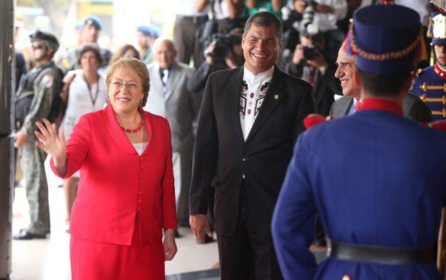 La presidenta de Chile, Michelle Bachelet, a su arribo. Flickr / Cancillería Ecuador