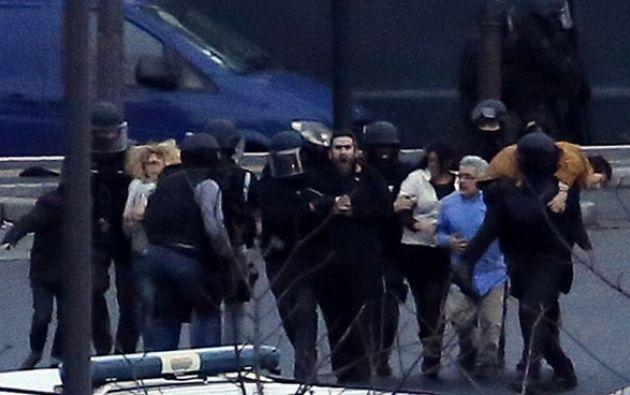 Los rehenes quedan en libertad. Foto: AFP
