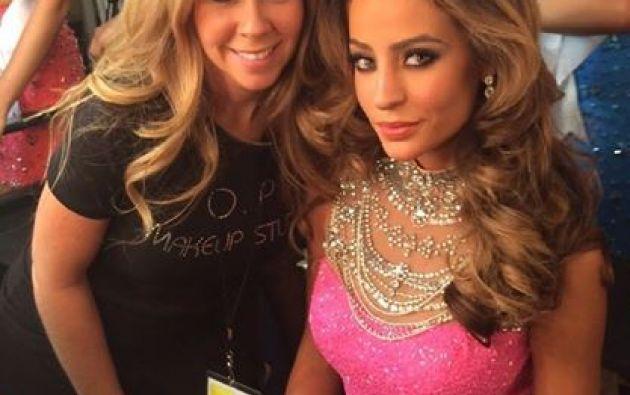 Junto a la Cuty Ycaza. Foto: Facebook / Miss Ecuador