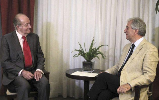 El rey Juan Carlos con Tabaré Vásquez. Foto: REUTERS