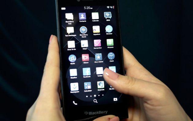 Blackberry también mostro en el MWC el Blackberry Leap.
