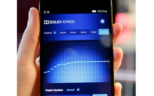 Lenovo presentó su smartphone A7000.