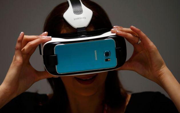 Samsung también sorprendió con sus gafas de Realidad Virtual GEAR VR.