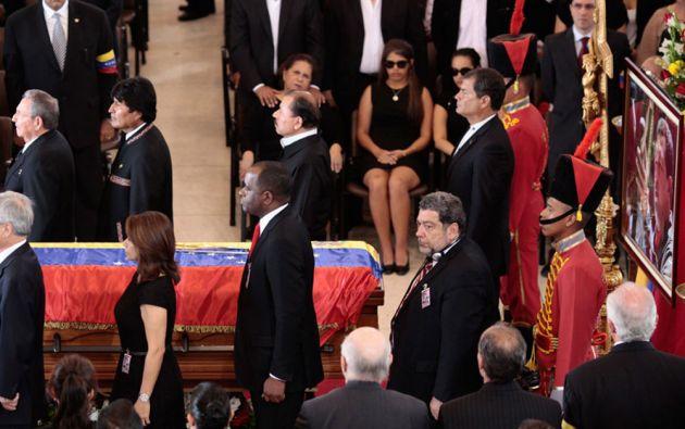 El presidente Rafael Correa asistió al entierro de Chávez.