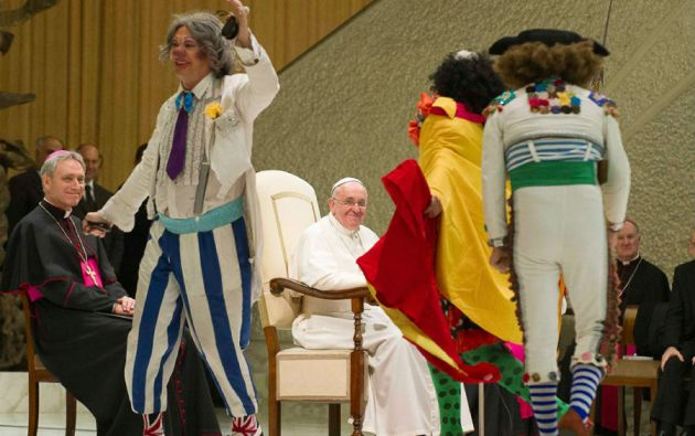 """En una audiencia recibió a artistas circenses. Francisco afirmó que """"el circo crea belleza y hace bien al alma""""."""