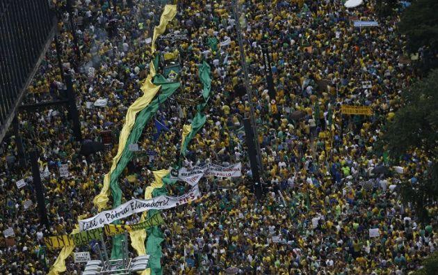 La multitudinaria protesta en Sao Paulo tuvo lugar en la Avenida Paulista. Foto: AFP