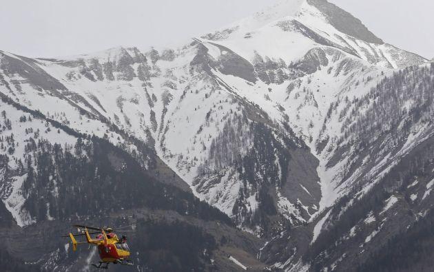 Rescatistas llegan a los Alpes. Foto: REUTERS