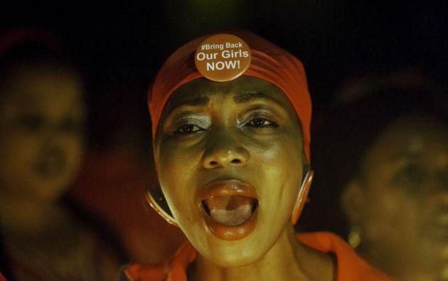 """El movimiento """"Bring back our girls"""" (Devuelvan a nuestras niñas) desde hace un año reclama cada día la liberación de las estudiantes. Foto: REUTERS"""