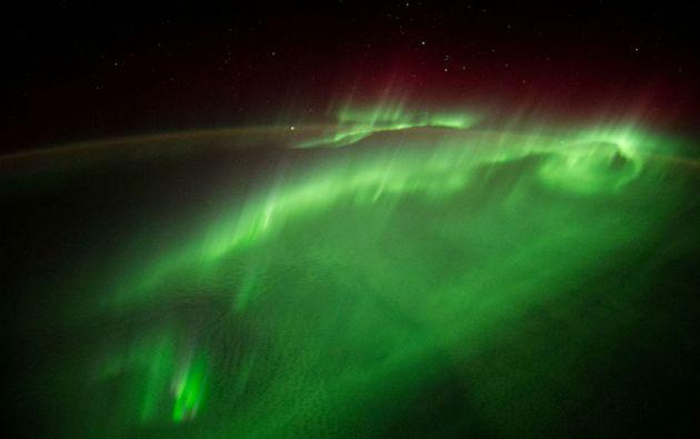 Volar a través de una Aurora. Un astronauta de la ESA publicó en las redes esta fotografía tomada desde la Estación Espacial Internacional (agosto de 2014).