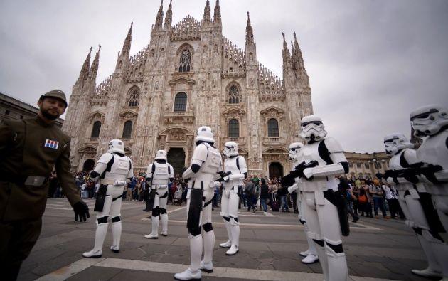 Cosplayers vestidos de stormtroopers. Foto: AFP