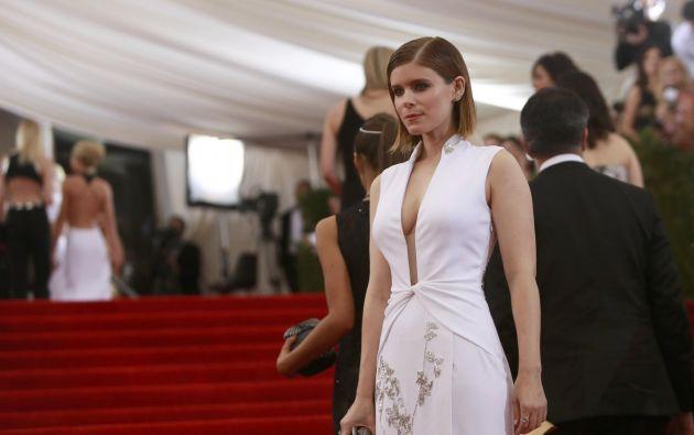 Kate Mara, nueva protagonista de Los 4 Fantásticos, luciendo un vestido de la diseñadora Diane Von Furstenberg.