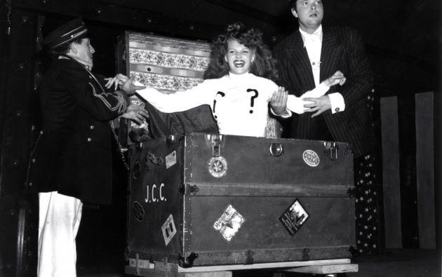Orson Welles era un mago. Pertenecía a la Hermandad Internacional de Magos y la Sociedad de Magos Americanos. Su truco favorito era el de cortar a una chica por la mitad. Rita Hayworth, una de sus ayudantes en los espectáculos de magia, con la que estuvo casado.
