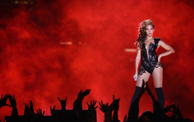 Beyonce Knowles (Cantante y  Actriz). Con su esposo y magnate de la música Jay Z, Bey tienen un hijo de 2 años, Blue Ivy . La maternidad no ha disminuido su popularidad.