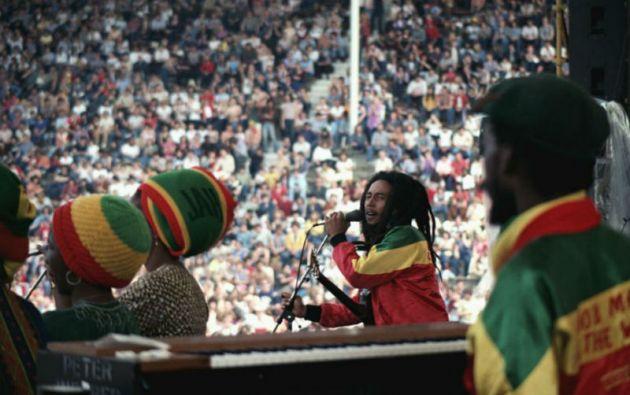 2.La canción 'No Woman No Cry', escrita por Marley, está acreditada a Vincent Ford, un amigo personal que llevaba una tienda de sopas en Trenchtown.