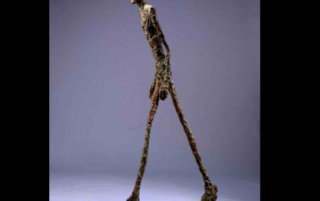 """8. Alberto Giacometti, """"El hombre que camina I"""". Escultura vendida en 65 millones de libras esterlinas (104 millones de dólares) el 3 de febrero de 2010 en Sotheby's de Londres."""