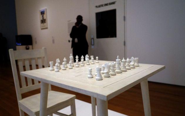 Yoko Ono´s White Chess ( 1966 ).