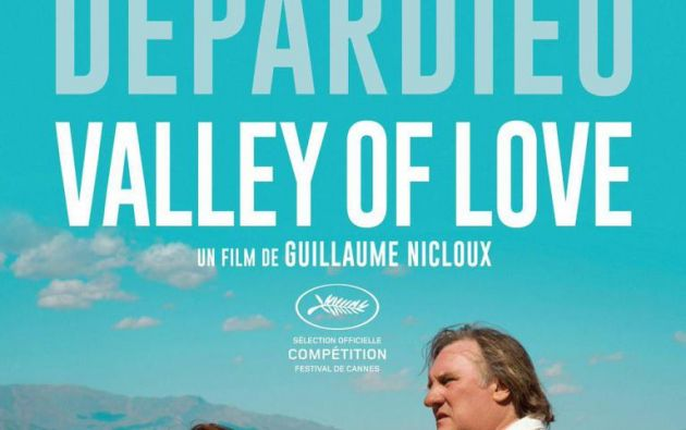 """Isabelle y Gérard van a una extraña cita en Death Valley, California. en el filme """"Valley of Love"""" de Guillaume Nicloux"""
