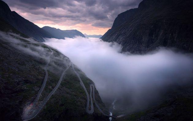 Camino a la montaña Trollstigen, en el oeste de Noruega / SEAN ENSCH