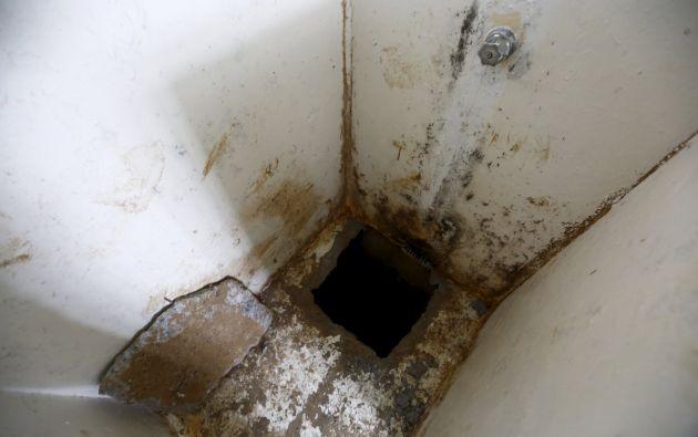 La celda permanece bajo vigilancia.