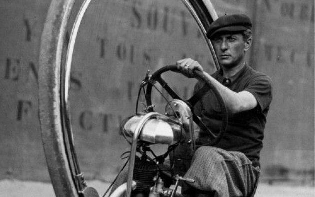 Walter Nilsson en el popular pero ineficiente Monowheel. 1933