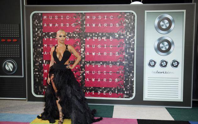 Rita Ora a su llegada a la ceremonia, celebrada en Los Ángeles.