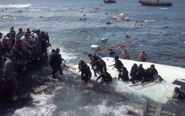 naufragio de un velero frente a las costas de la isla griega de Rodas, en el sureste del mar Egeo. Foto: REUTERS.