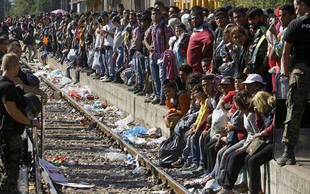 Tras ser bloqueados en la frontera, los refugiados lograron entrar a Macedonia. Foto: AFP