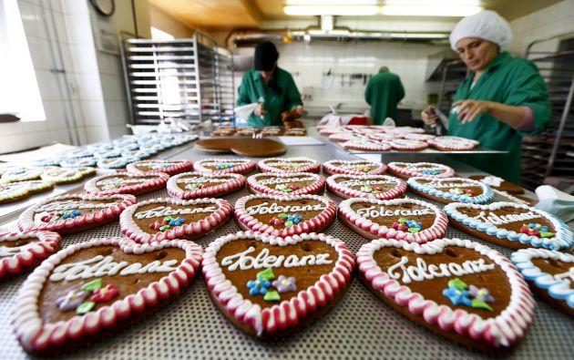 """Fesey producirá unos 1.000 corazones de pan de jengibre con la palabra """"tolerancia"""" para el próximo Oktoberfest. Foto: REUTERS"""