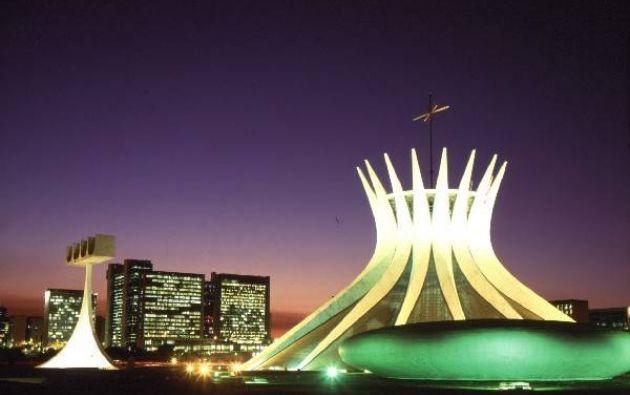 BRASIL - La capital es Rio de Janeiro y se habla español. En realidad la ciudad capital es Brasilia, en la foto. (Fotos: RT / youtube / Reuters / flickr / web)