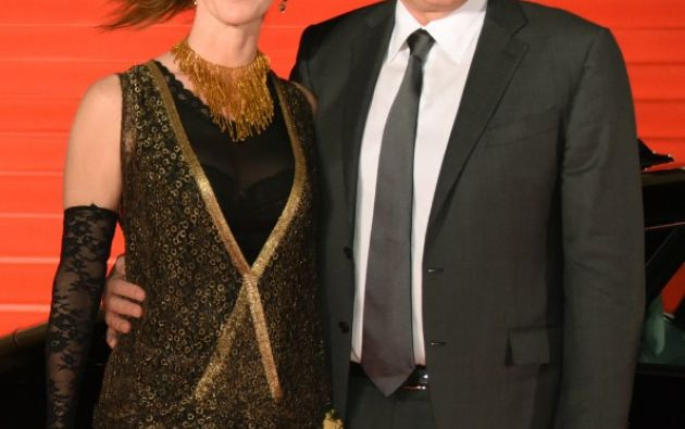 El director de cine estadounidense, Robert Zemeckis  y su esposa Leslie Harter posan para los fotógrafos. Foto: AFP