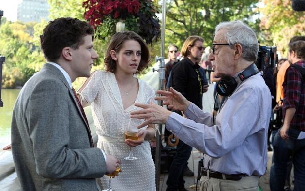 Jesse Eisenberg, Kristen Stewart y Woody Allen película en Central Park Foto: Steve Sands / GC Imágenes