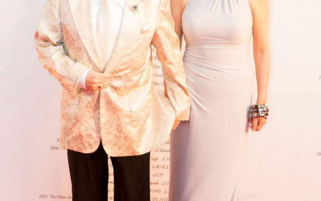 Celebridad televisiva de Dave Spector y su esposa, Kyoko, posan antes de la ceremonia de apertura del Festival de Cine de Tokio 2015. | MANCE THOMPSON