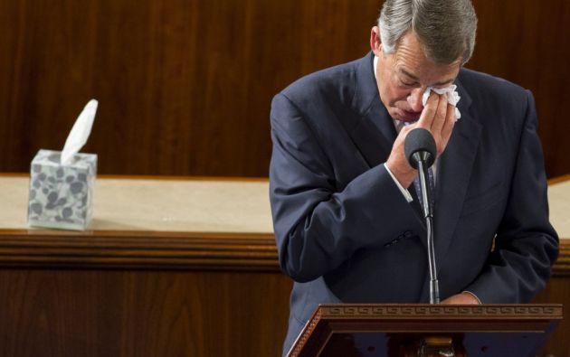 El presidente de la Cámara de Representantes, John Boehner, se emociona mientras pronuncia su discurso de despedida en el Capitolio, Washington (Estados Unidos). El candidato de la mayoría republicana, Paul Ryan será el nuevo presidente.  SAUL LOEB (AFP)