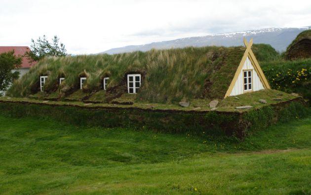 En el difícil clima de Islandia, las casas protegidas por tierra son una tradición desde hace siglos.