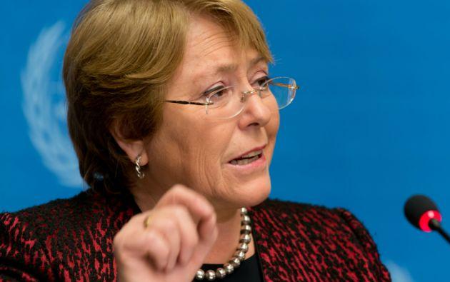 Bachelet indicó que con el proyecto las chilenas podrán decidir informadas sobre el aborto.