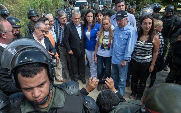 Los expresidentes Pastrana y Piñera fueron impedidos de visitar al opositor Leopoldo López en la cárcel de Ramo Verde. Foto: AFP