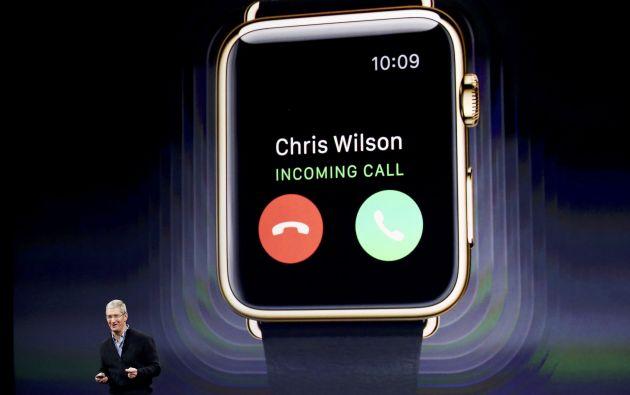 Tim Cook, CEO de Apple presenta el nuevo modelo de reloj inteligente. Fotos: REUTERS