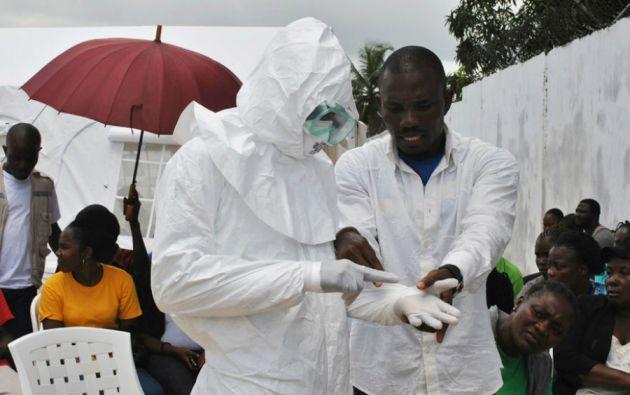 """El estudio señala que el hecho de que el virus no tenga la capacidad de mutación que se creía """"ayuda a aliviar los miedos"""". Foto: REUTERS"""
