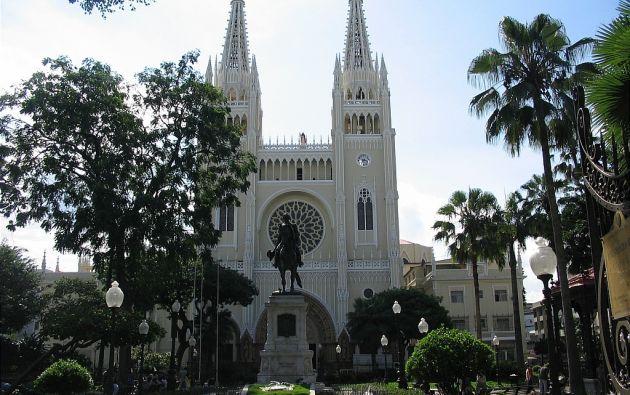 La Catedral de Guayaquil, ubicada en el centro de la ciudad, tiene más de 100 años.