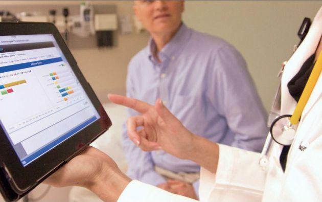 Una de las aplicaciones de la computación cognitiva se encuentra en el área de la salud. Existen proyectos que usan esta tecnología para mejorar la atención médica volviéndola más personalizada.