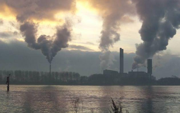 En abril de 2014, las concentraciones mensuales de CO2 en la atmósfera habían superado las 400 partes por millón (ppm) pero sólo en el hemisferio Norte.