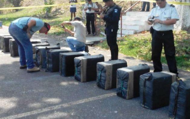 A bordo de la embarcación se encontraron 412 kilos de cocaína.