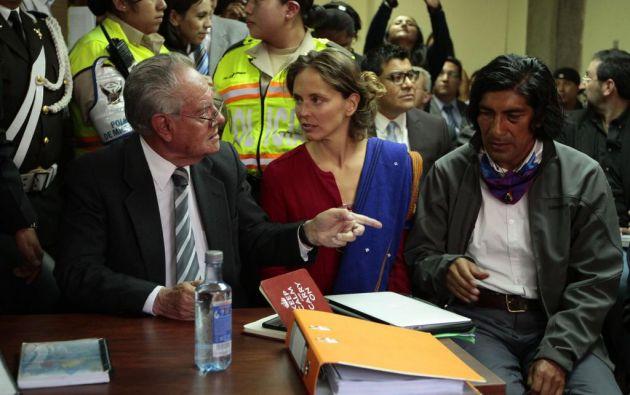 Esta tarde se efectuará la audiencia de protección de la periodista franco-brasileña. Foto: API.